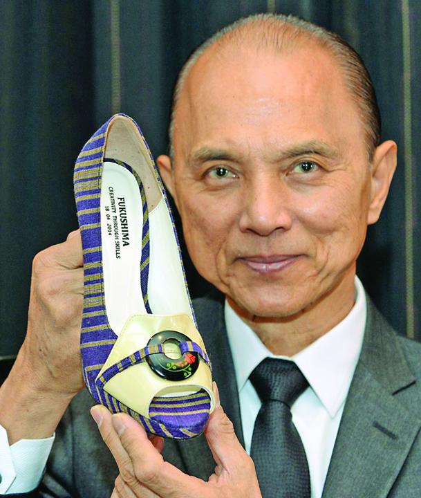 Jimmy Choos net worth  Jimmy Choo, vandut cu 1,2 miliarde de dolari