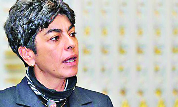 """Maria Cristina Manda Manda, noua sefa de la """"Doi s'un sfert""""!"""