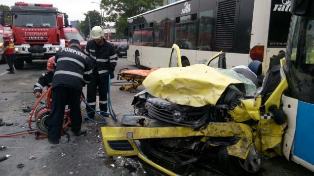 accident Accident foarte grav in Capitala, soldat cu doi morti si doi raniti