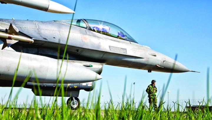 avioane1 Rusia ameninta fortele NATO din Romania
