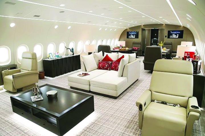 avion 1 Hotelul zburator