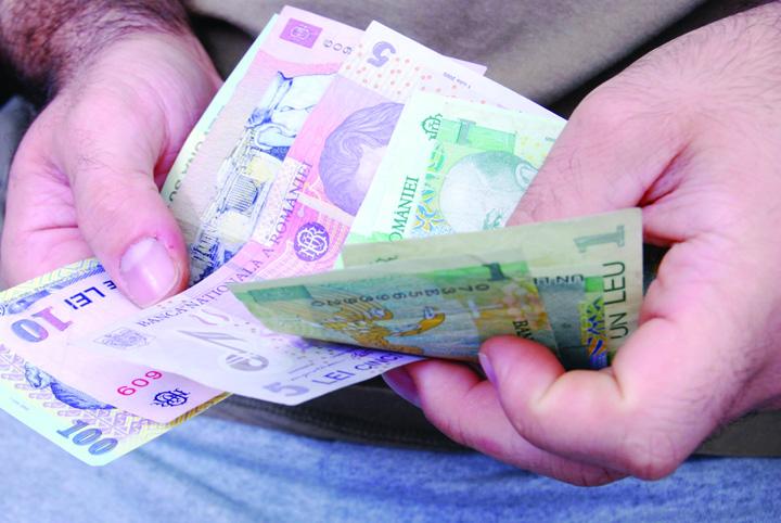 bani puțini Abuzul in serviciu, iertat pana la salariul minim