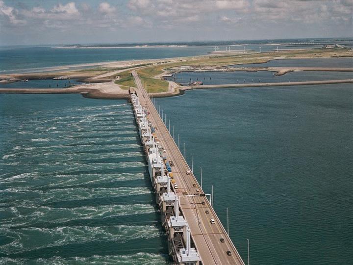 bariere Olanda 12 Cele 7 minuni ale lumii moderne!