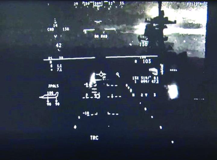 casca 1 Pilotii F 35, orbi fara Luna