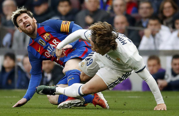 """h 53145966 600 FC Barcelona, triumf in primul """"El Clasico"""" din sezon!"""