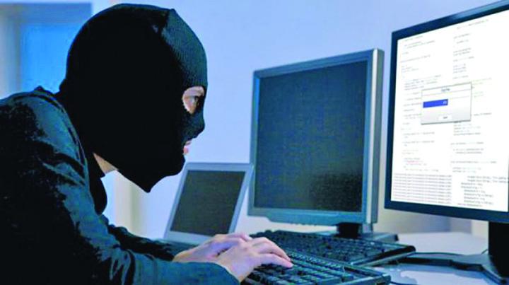 hakeri 620x400 50137100 Hackerii au atacat banca UnitCredit