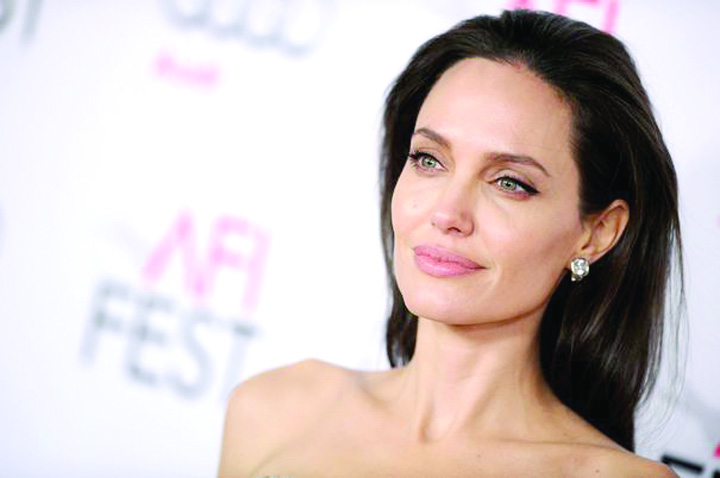 hepta 2574916 Angelina Jolie, o gospodina perfecta