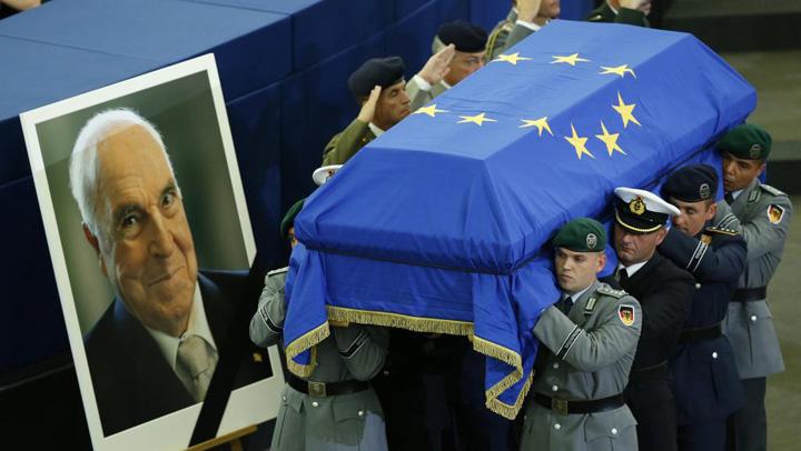 kohl Omagiul Europei pentru Helmut Kohl