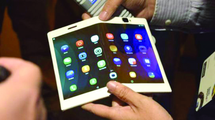 lenovo jfolio gadgetreport Lenovo Folio, smartphone ul viitorului