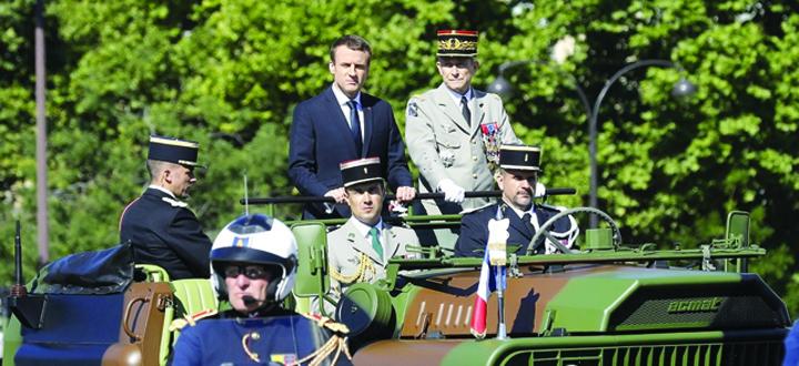 macron general Macron a ramas fara seful armatei