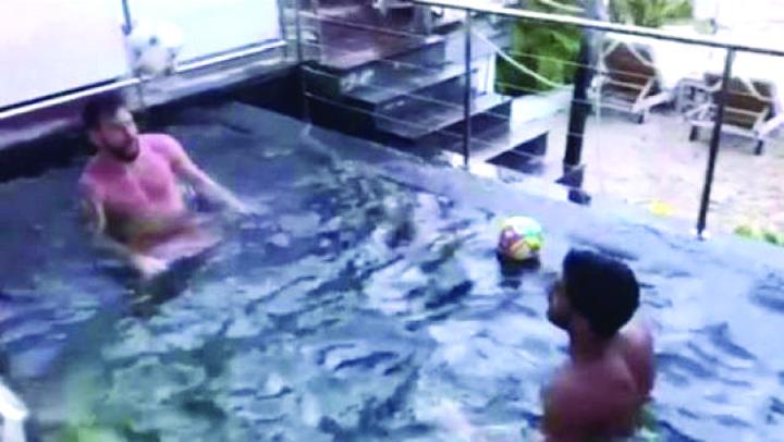 messi 1 Messi si Suarez la o miuta in piscina