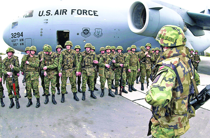 militari Palatele isi impart americanii!