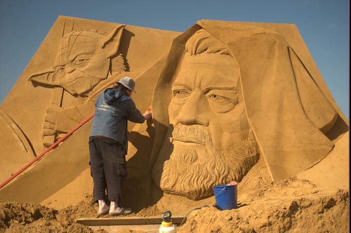 nisip. jpg Personajele Disney au fost sculptate in  nisip!