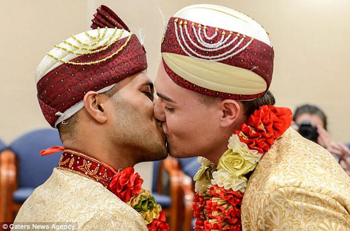nunat 7 Prima casatorie intre homosexuali musulmani
