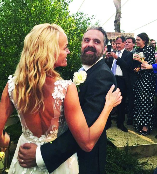 nunta 2 Fiica magnatului  Rupert Murdoch, inca o nunta la 48 de ani
