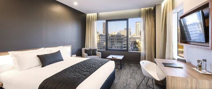 superior room low floor 4 star hotels in brisbane hotel grand chancellor brisbane 1.jpg.1920x810 0 105 10000 Unul din 5 clienti fura lucruri din hoteluri. Afla ce se sterpeleste cel mai des!