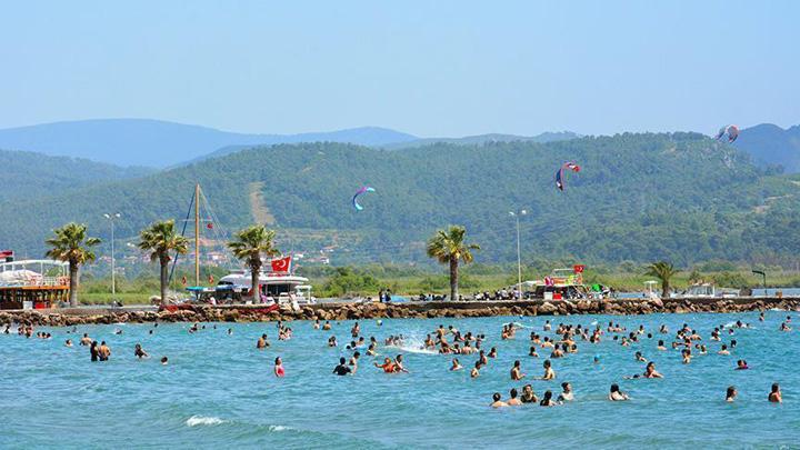 turcia 3,5 milioane de turisti din tari arabe vor vizita Turcia in acest an