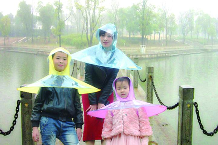 umbrela02 Inca o ciudatenie: umbrela pelerina