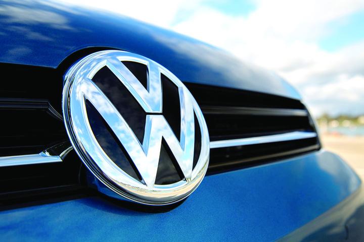 volkswagen emblem 1 Nou scandal la Volskwagen!