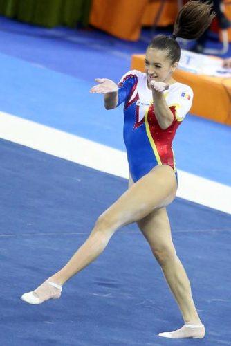 1459163 872669662763376 80294609773109989 n larisa 334x500 Larisa Iordache, alte doua medalii. Andrei Muntean, bronz la Taipei