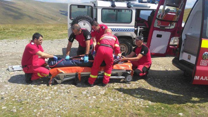 20840824 1734372629937225 7007680135759535436 n 720x405 O masina s a rasturnat pe munte. Elicopter SMURD, in ajutorul unei victime