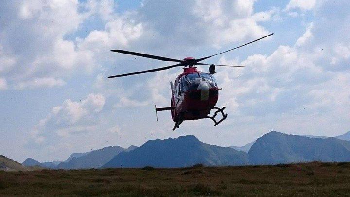 20992525 1744775608896927 193730996572576369 n elicopter 720x405 Salvare cu elicopterul in Muntii Fagaras: turista accidentata