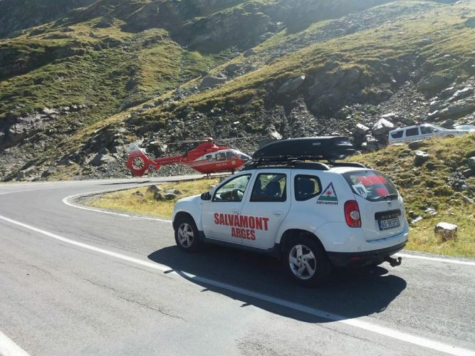 21231334 1752974888076999 74830839293537714 n salva 667x500 Accident pe Transfagarasan! Victima, preluata cu un elicopter SMURD