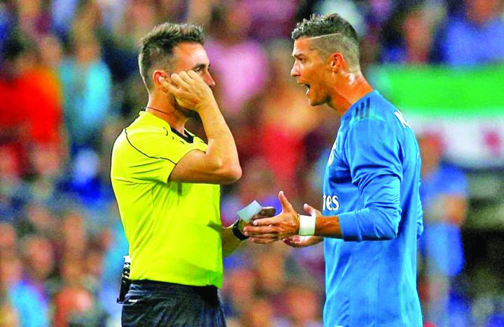 841596 2017 08 13t215442z 1542597516 rc18100ec130 rtrmadp 3 soccer spain fcb rea supercup Scandal la returul Real Madrid Barcelona