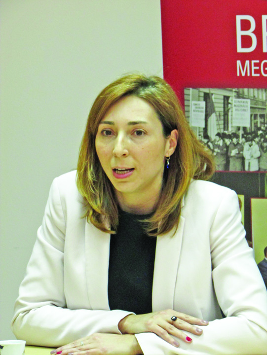 Ambrus Izabella Golanii din Parlament