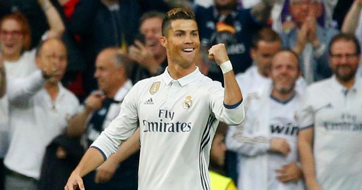 Cristiano Ronaldo celebrates scoring their first goal Ronaldo risca 15 ani de inchisoare si o amenda de 75 de milioane de euro