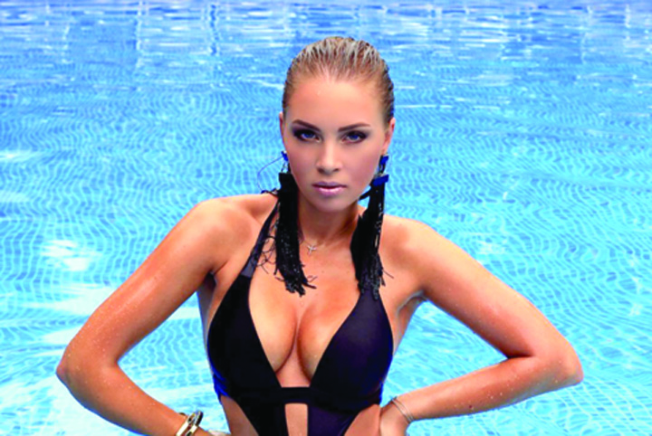 Polina Dibrova Regina frumusetii  cu trei copii
