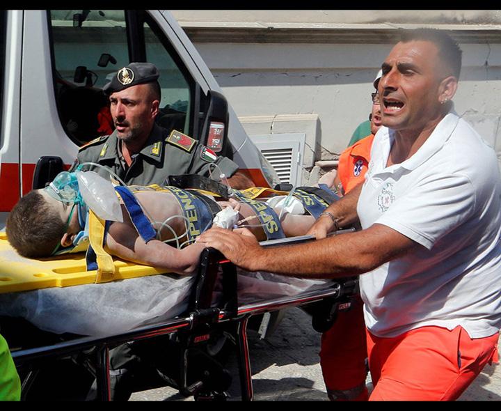 cutremur 1 Cutremurul din Italia a lasat 2.600 de oameni fara casa