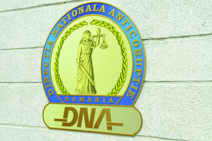 dna1 Razboi total intre DNA si Guvern