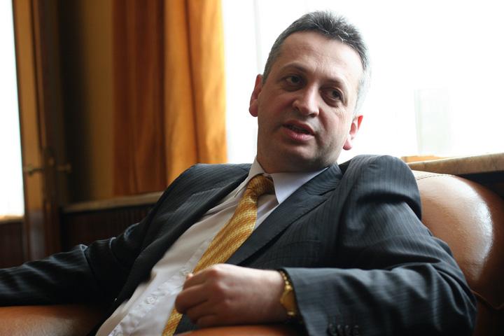 fenechiu relu Relu Fenechiu liber: Nu mai vreau sa aud de contracte cu statul!