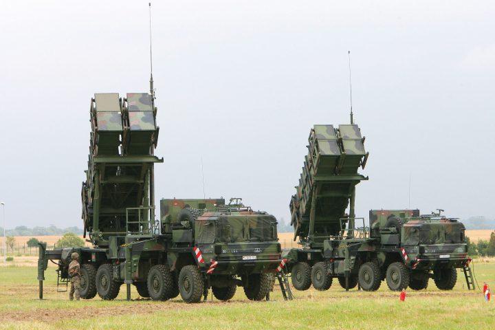firme rachete patriot 720x480 Incepe razboiul celor doua Americi in Romania