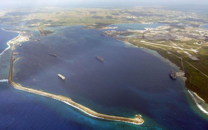 guam mare Obsesia lui Kim: insula cu 2 milioane de serpi