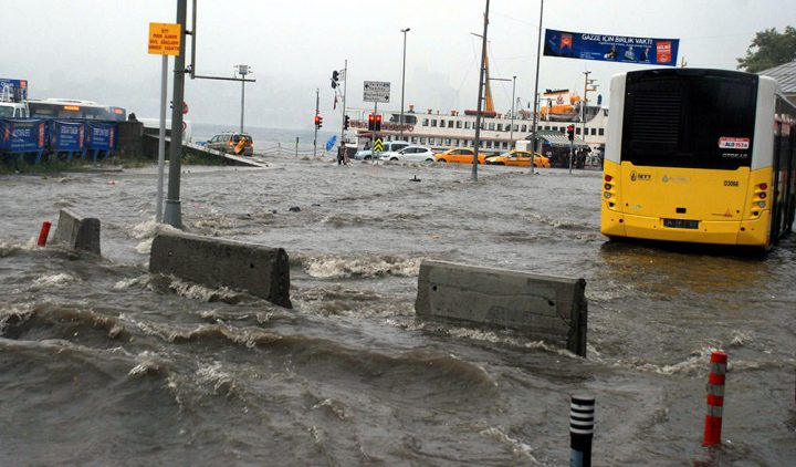 istanbul 0 720x422 Istanbulul sub ape