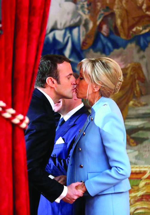 macron 2 Brigitte Macron a prins glas