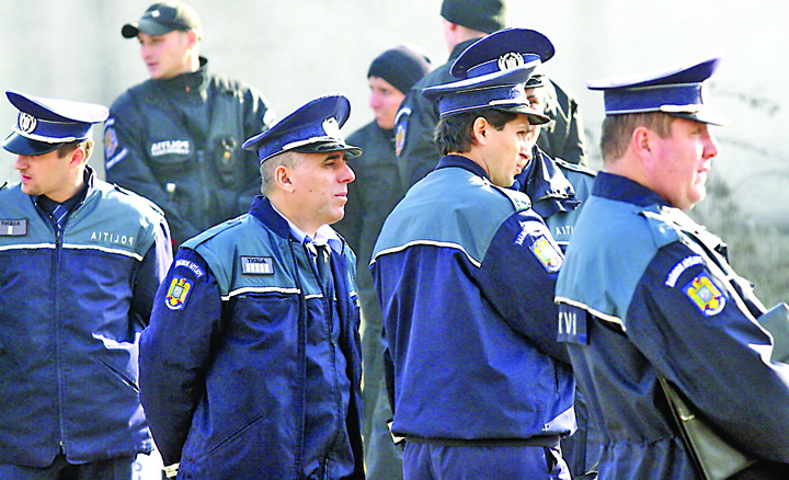 militieni Criza politistilor, rezolvata cu rezervisti!