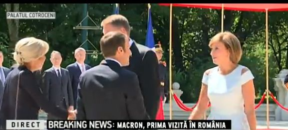 presed2 Emmanuel Macron, primit cu onoruri la Cotroceni