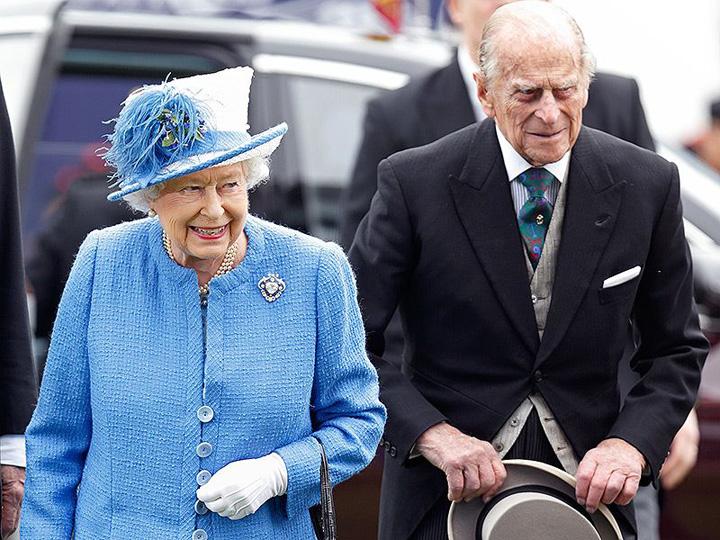 regina si prinţjpg The Telegraph l a omorat pe printul Philip