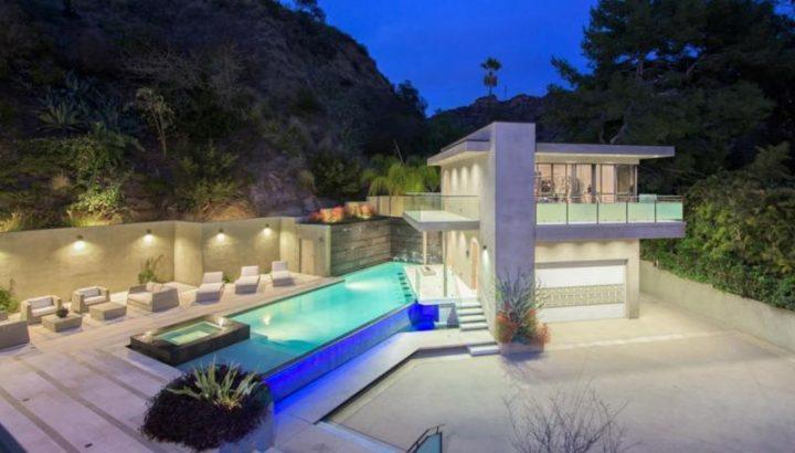 rihanna 720x410 Casa de 7 milioane de dolari a Rihannei