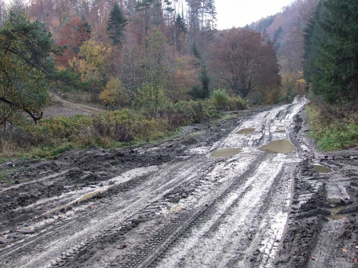 rtimuri sate Romania, tara cu peste 10.000 de km de drumuri din pamant
