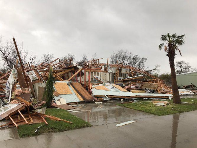 uragan 1 667x500 Uraganul Harvey a facut ravagii
