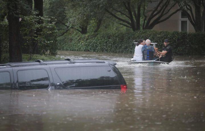 uragan 5 720x461 Uraganul Harvey matura tot!