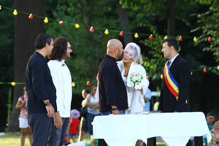 21430527 718740518325744 2569518154516211341 n chef 720x480 Chef Scarlatescu, Gina Pistol si o casatorie pe platourile de filmare