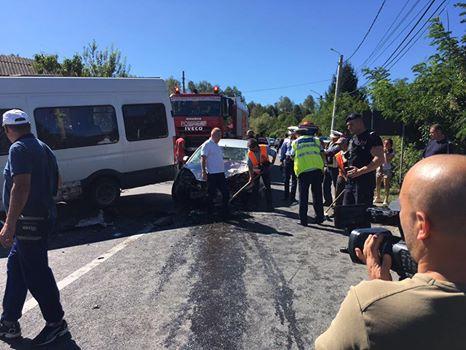 21728400 1553354848060308 7346088063634824049 n accident Accident de microbuz pe DN 66A: 13 oameni dusi la spital