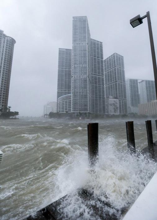 441E344E00000578 4869944 image a 16 1505050190858 1 Monstrul Irma inghite Florida