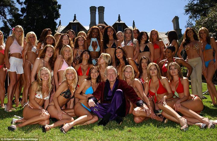 FOTO MARE Playboy Omul care a dezbracat America a murit!
