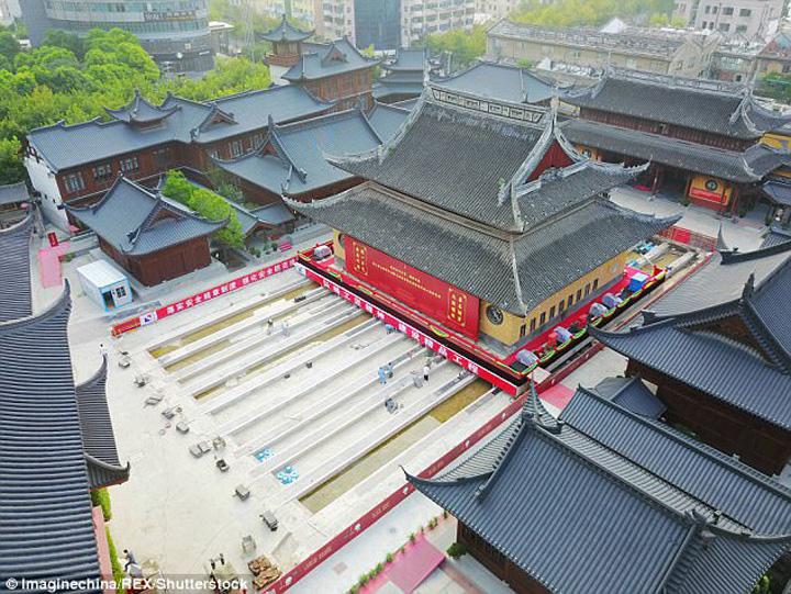 Thumbnails154920170249391 Chinezii isi muta templele